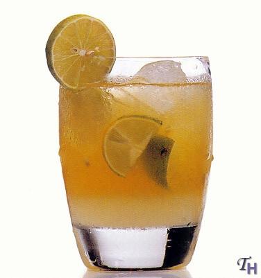 Whisky escoces y piña