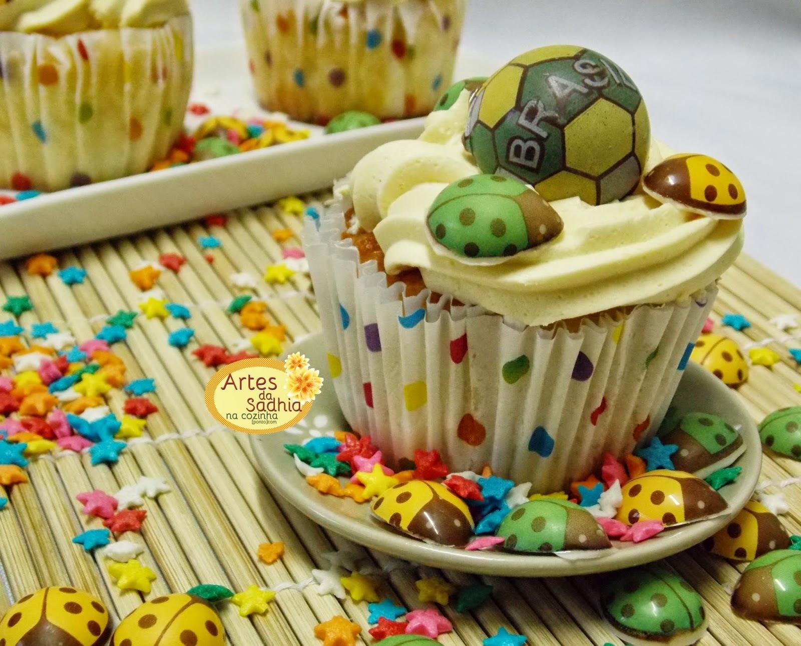 Cupcakes da Copa  joaninhas e bolas da Stalden Decor tema copa