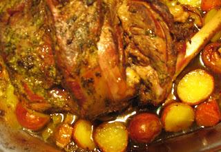 Pierna de cordero al horno con verduras