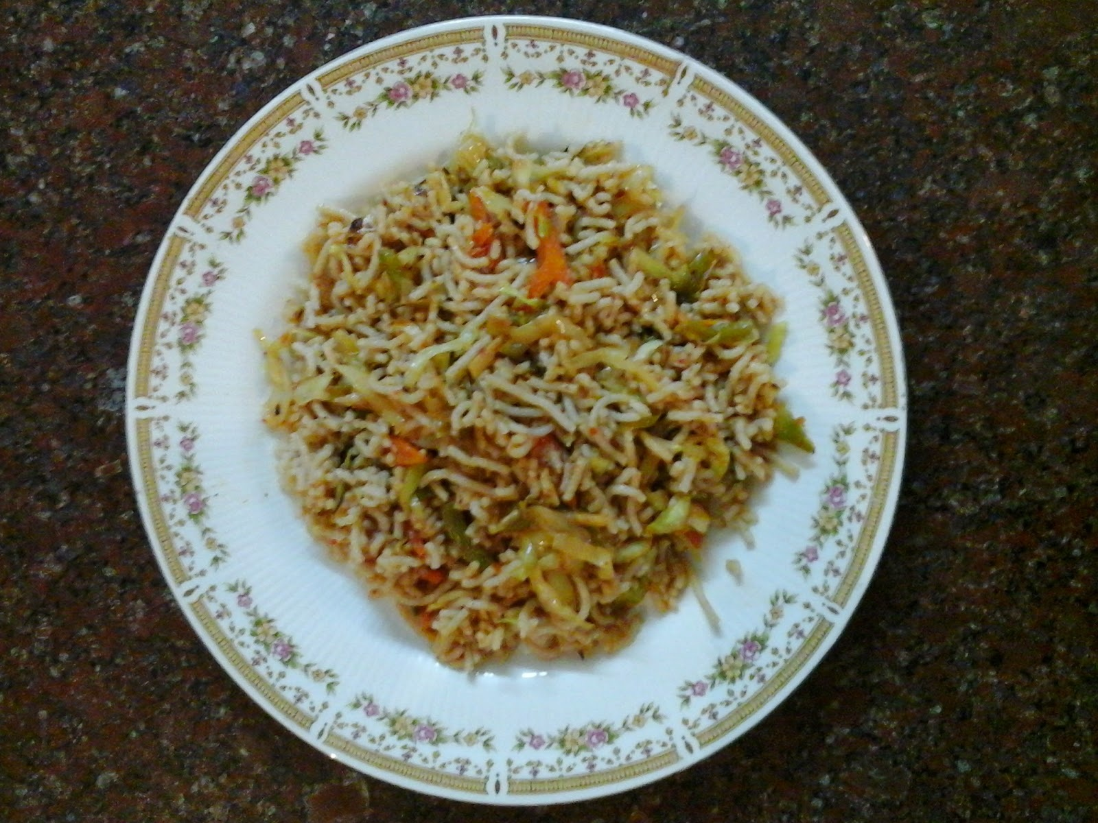 Sivappu Puzhungal Arisi Sevai - Par Boiled Red Rice Noodles