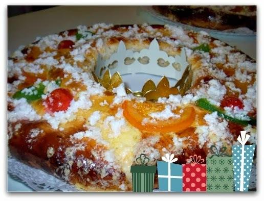 Primera recepta de Nadal. Un tortell, ben farcit de crema.