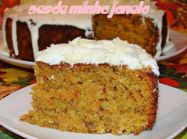 Carrot Cake ( Bolo de cenoura americano com cobertura de cream cheese)