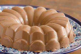 BAVAROISE DE CHOCOLATE  COM CALDA DE PASSAS AO RUM-DIET