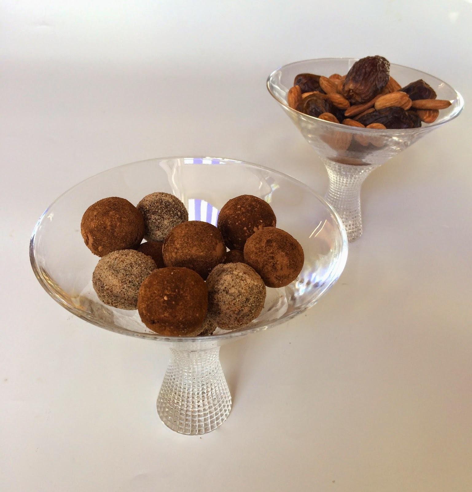 Raw, vegan, sugar free and gluten free chocolate truffles