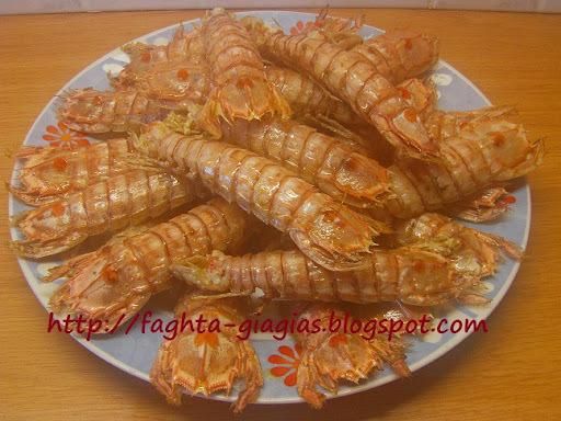 Κατσαρίδες τηγανιτές ή κοκκινιστές με ρύζι