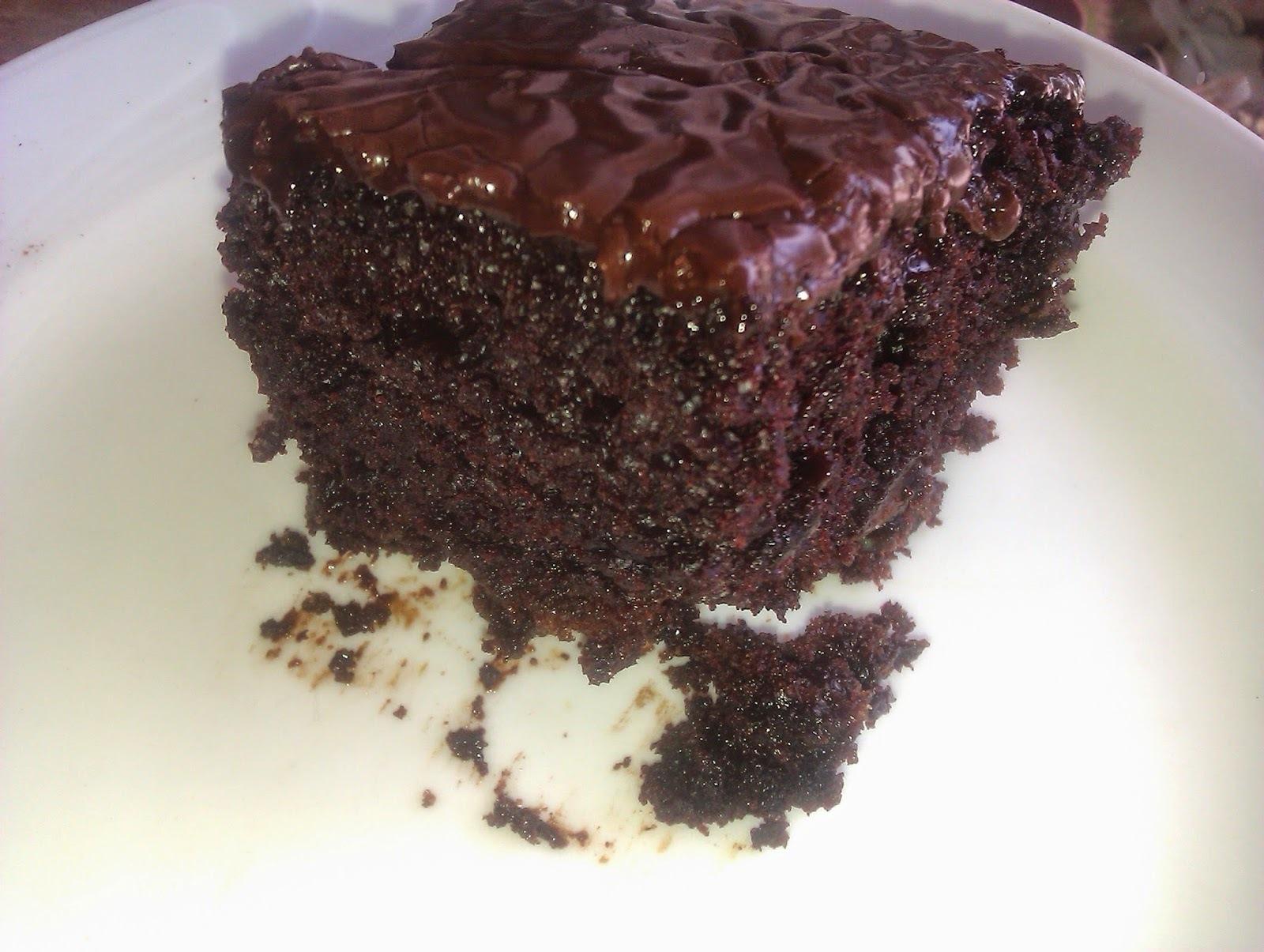 Σοκολατόπιτα με καραμελένιο σιρόπι σοκολάτας