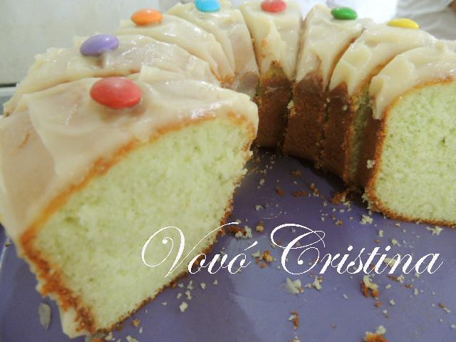 torta de limao com a massa de bolo pronta
