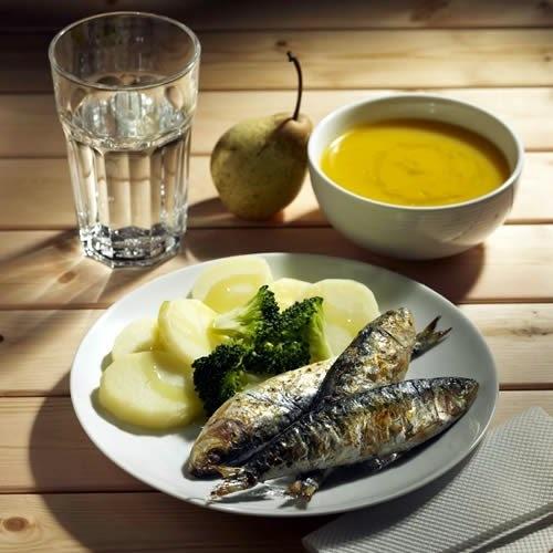 como preparar sardinhas sem oleo e sem fritura na panela de pressão ou no forno