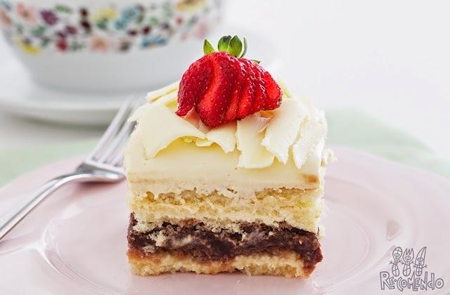 bolo de leite ninho com morango e chocolate branco