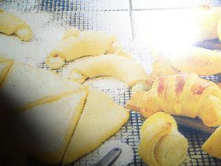 massa de meia lua pão