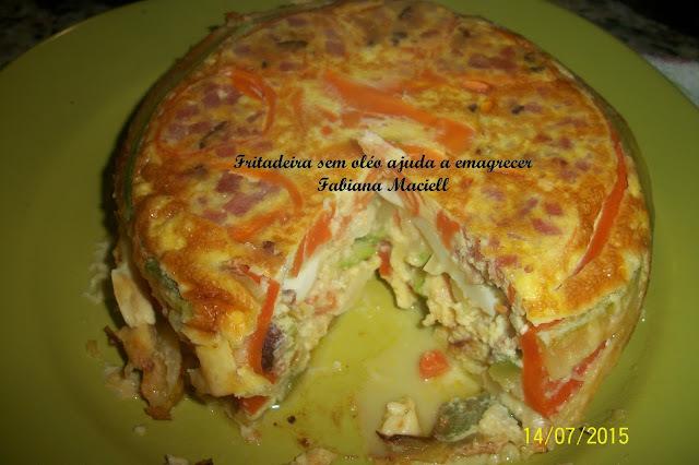 Torta de omelete com abobrinha e cenoura na Fritadeira sem óleo AirFryer