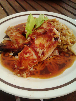 Sült csirke thai édes-savanyú mázzal, fűszeres sült rizzsel