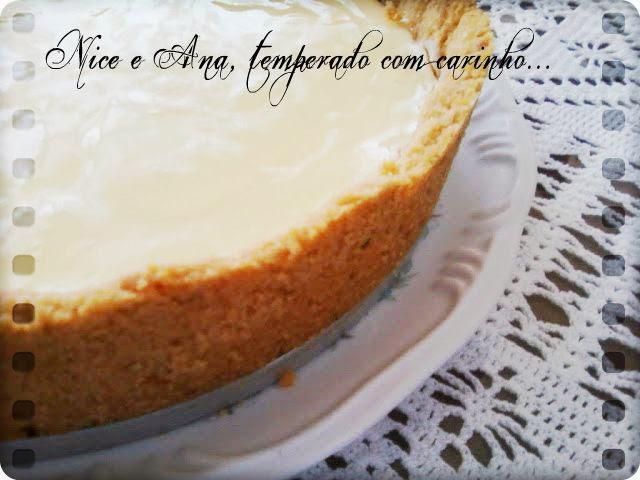 Torta de Limão com Caldinha de Limão