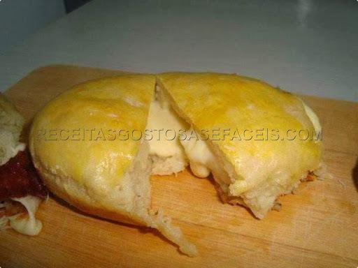 Pãozinho de Batata Recheado com Queijo