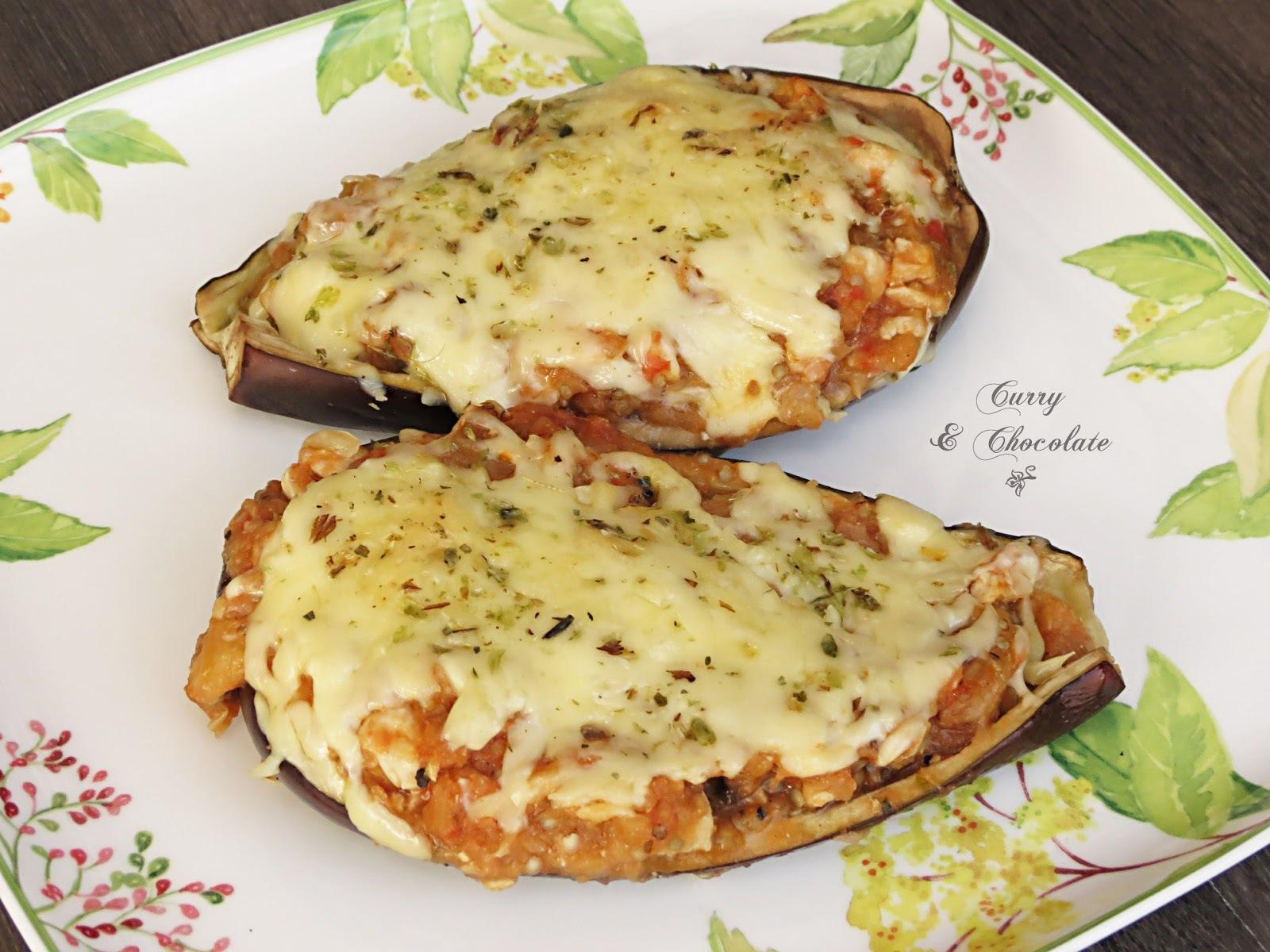 Berenjenas rellenas de pollo y tomate con queso - Chicken stuffed eggplants with tomato and cheese
