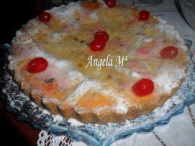 Torta Napolitana de ricota e frutas