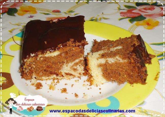 Cobertura fácil de chocolate para bolo