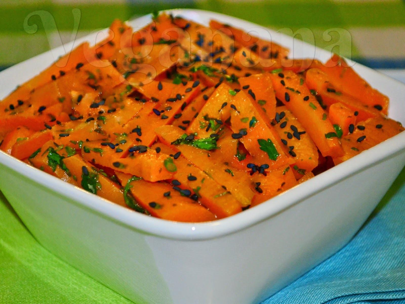 Salada de Cenoura com Molho Tahine