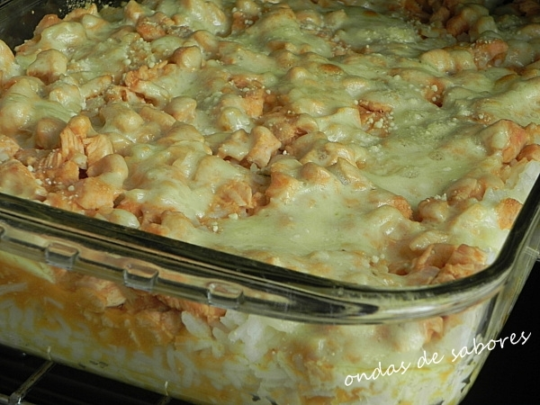 arroz e peito de frango ervilha e milho na panela de pressão