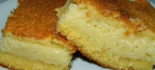 bolo cremoso de fuba de liquidificador com queijo ralado e condensado