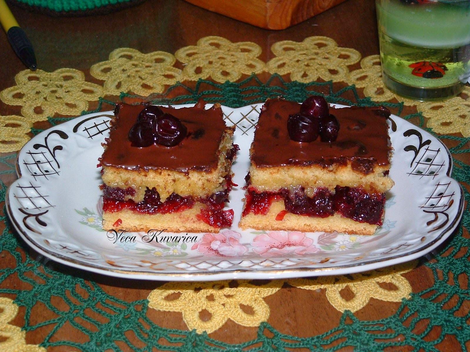kolač od višanja i griza
