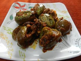 Badane kai Ennegai (Stuffed Egg plant)