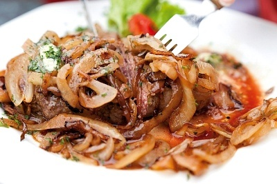 Carne de ternera estofada