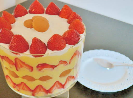 Strawberry Pudding Trifle