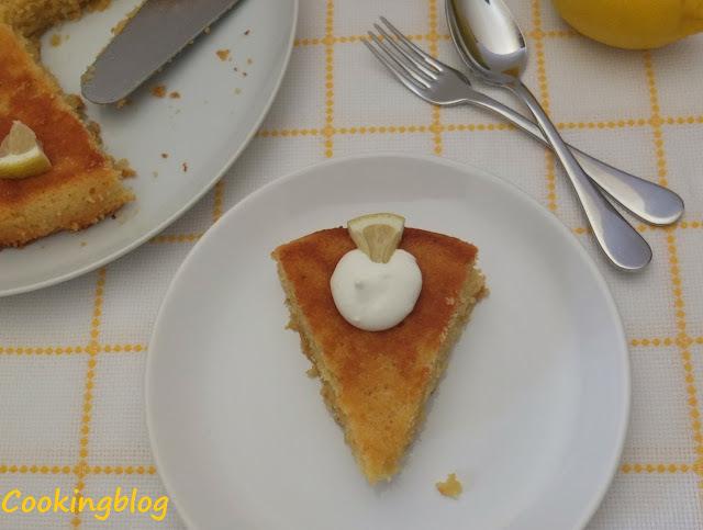 Bolo de polenta, amêndoa e limão