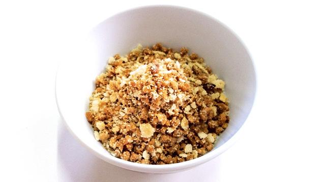 de farofa com proteina de soja e creme de cebola