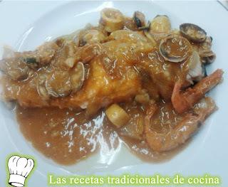 Receta de salmón con salsa de marisco