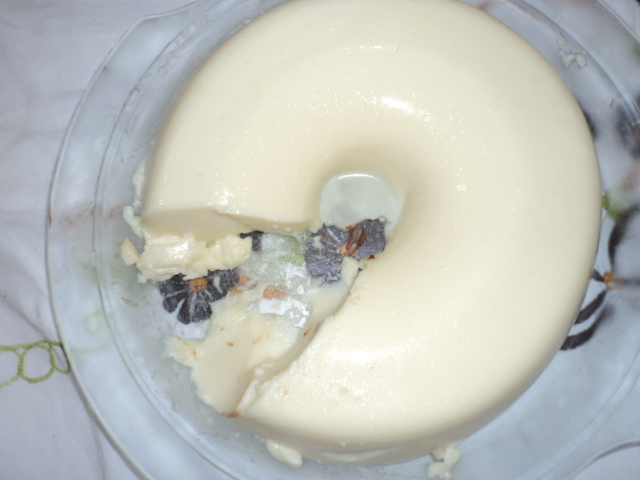 de gelatina com maria mole e pudim de caixinha