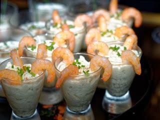 Verrines de crème d'asperges aux crevettes