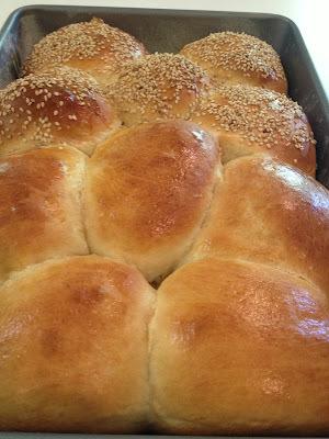 Experimentando receitas: Bisnaga Caseira (Dinner Roll)
