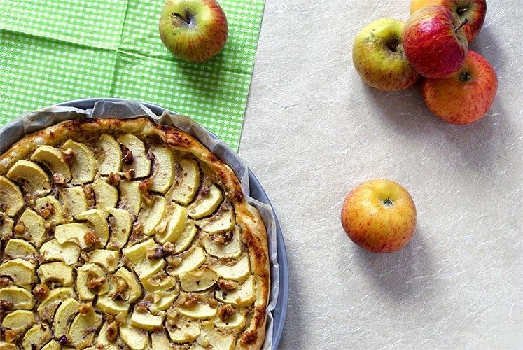 Apfelwähe mit Honig und Baumnüssen