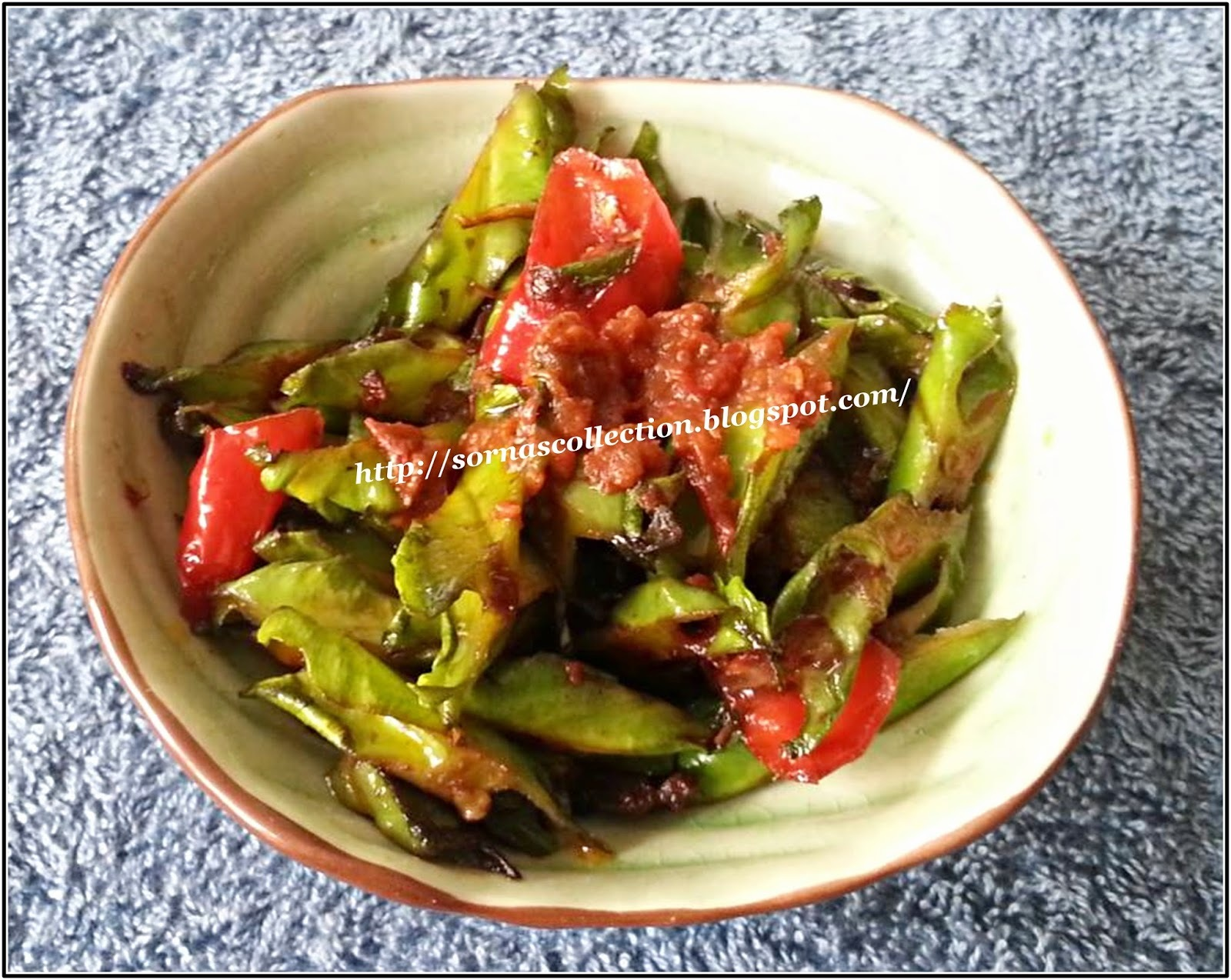 STIR-FRIED WING BEANS WITH SPICY SHRIMP PASTE