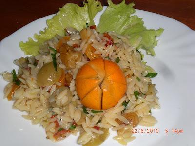 SALADA DE RISONI (macarrão com formato de arroz)