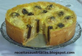 TORTA DE MAÇÃS RECHEADAS COM AMEIXAS AO RUM - Bratapfelkuchen mit Rumpflaumen