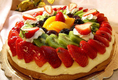 torta com massa folhada pronta de morango