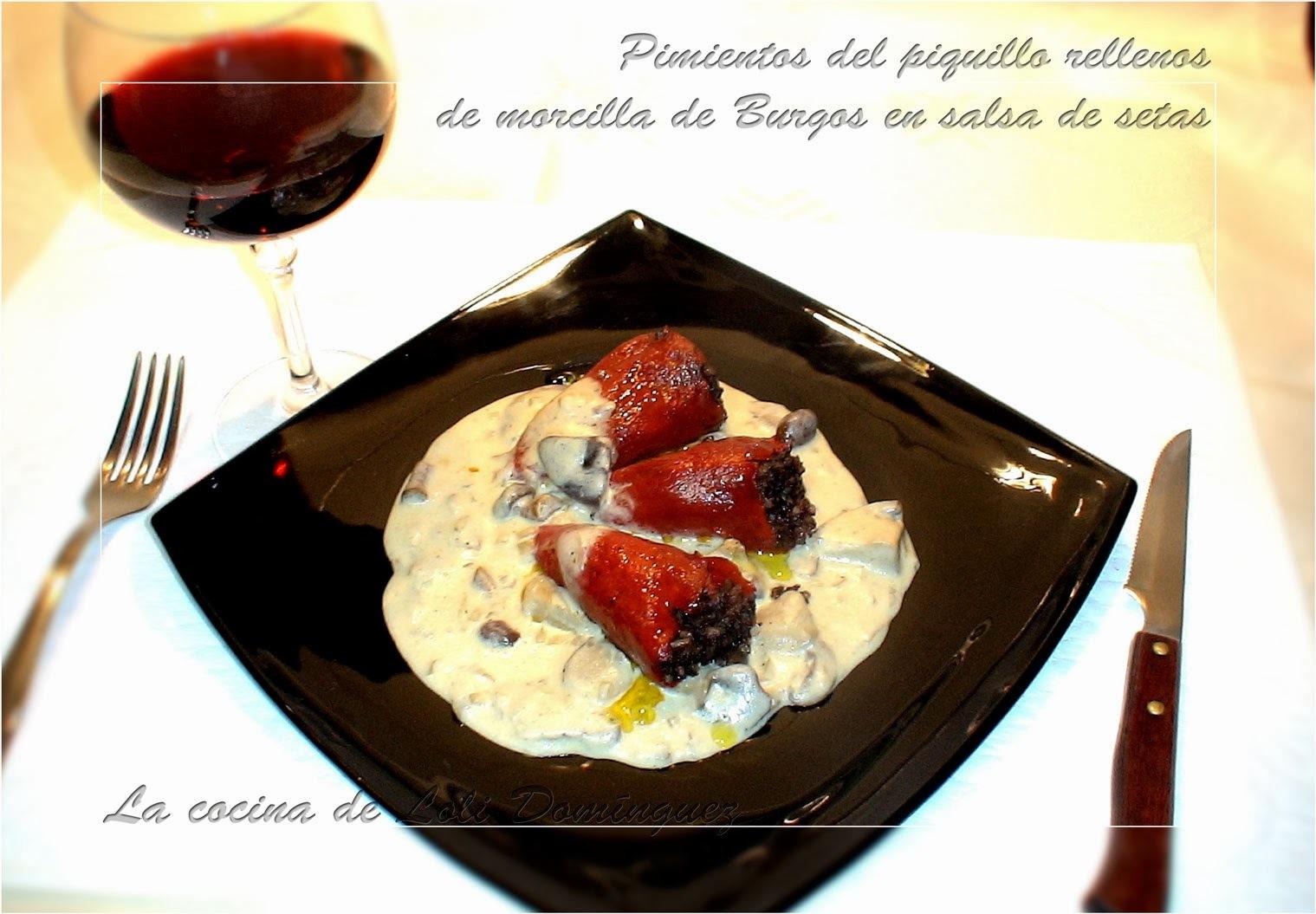 Pimientos del piquillo rellenos  de morcilla de Burgos en salsa de setas