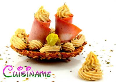 Montaditos   Originales Montaditos de Mortadela y Hummus