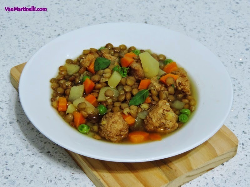 Sopa de lentilha com soja