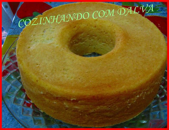bolo de mandioca com massa de feira