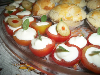 Tomatinhos cereja recheados