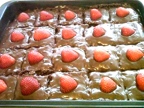 bolo de chocolate de caixinha gelado