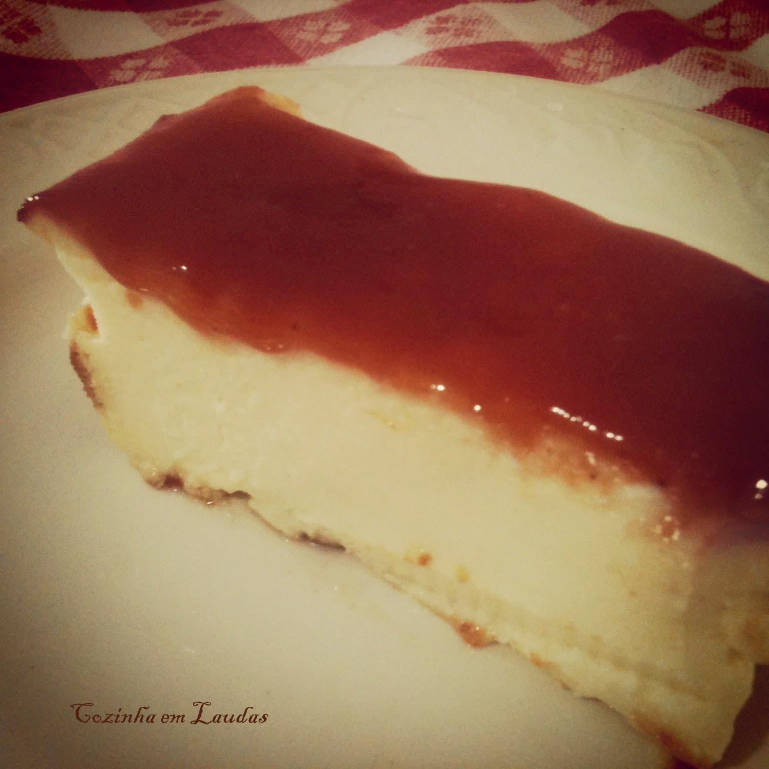 Bolo de ricota com goiabada [Ricotta cake with guava]