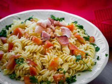 Macarrão ao Forno com Bacon e Mussarela