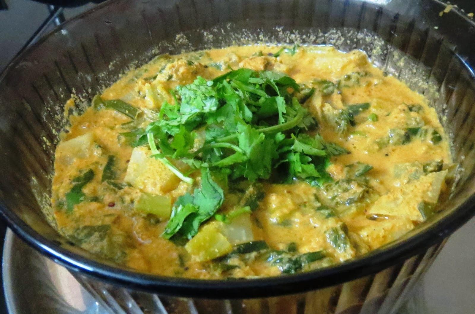Spring Onions + Knol khol Curry (Huli)