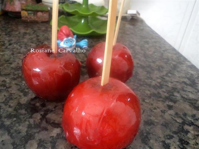 de maçã do amor cor de rosa