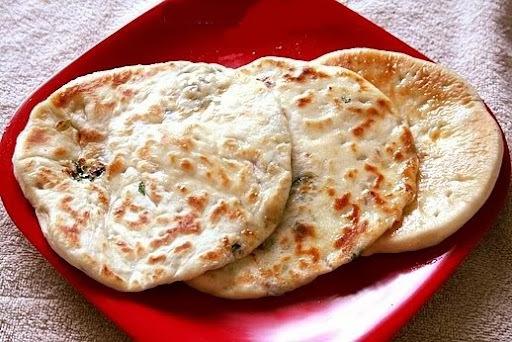 How To Make Paneer Kulche (Recipe OF Paneer Kulche)